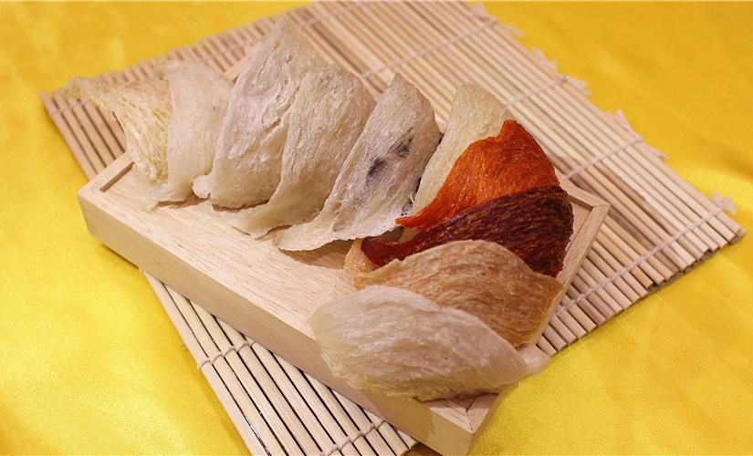 不同顏色及形狀的燕窩