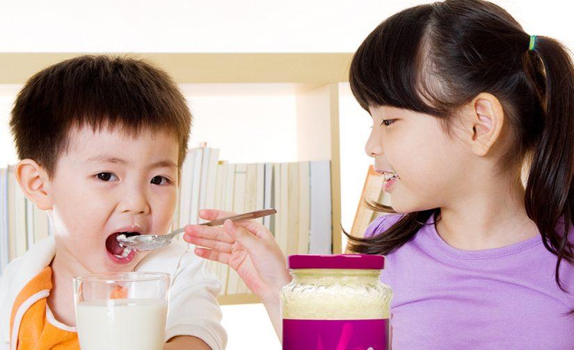 小孩平時喝牛奶時可加入即食燕窩